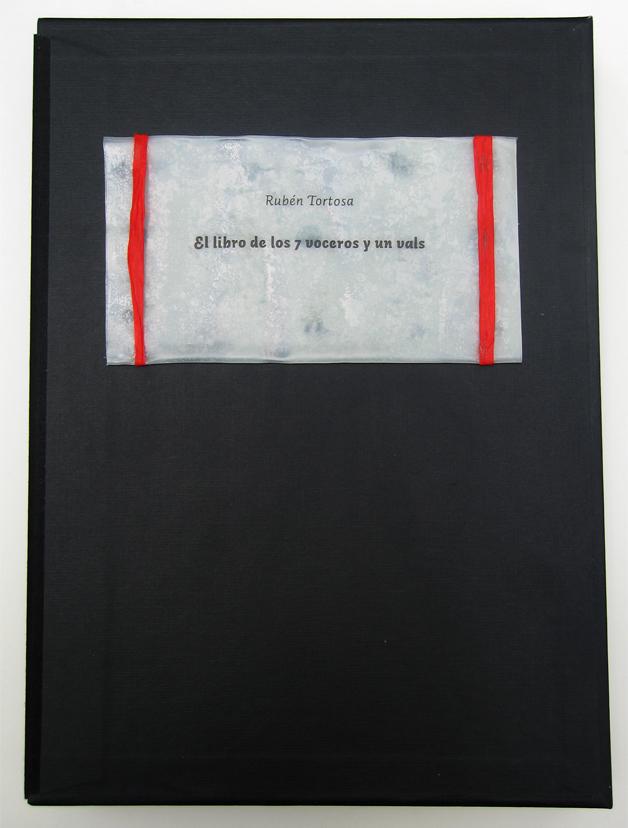 El Libro de los 7 Voceros y un Vals